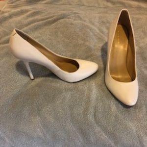 Liz Claiborne white pumps